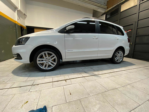 Volkswagen Suran 1.6 Imotion Highline 110cv 2018