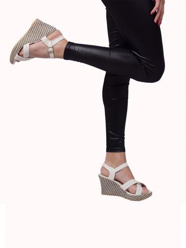 Imagen 1 de 5 de Sandalias Plataforma Taco Corrido Calzado Mujer