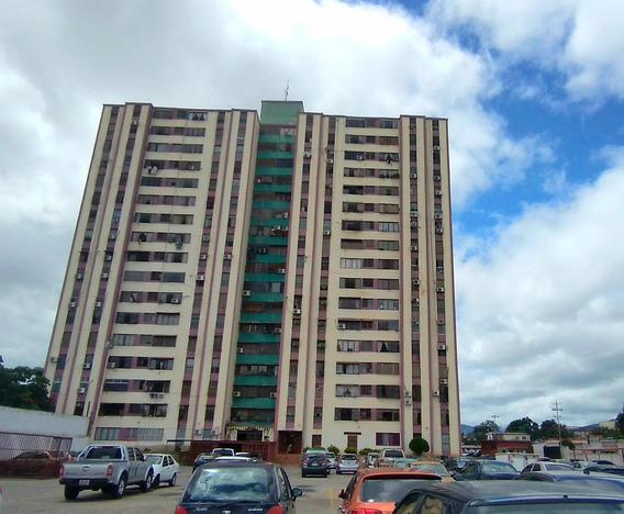 Apartamento En Venta Zona Oeste Barquisimeto Cod. 21-7438 Mr