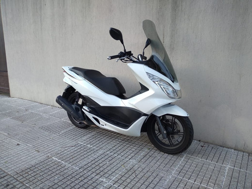 Imagen 1 de 12 de Honda Pcx 150 Inyeccion Excelente Estado !!!