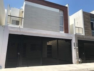 Casa En Renta En Cumbres Puerta De Hierro