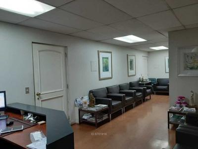 Oficina Av. Vitacura / Sector Clínica Al