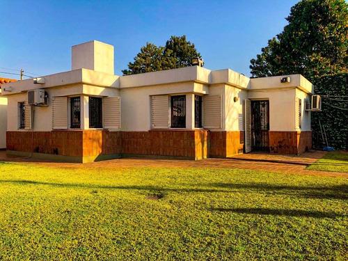 Hermosa Casa De 3 Dormitorios En Zona Norte, Excelente Ubicación