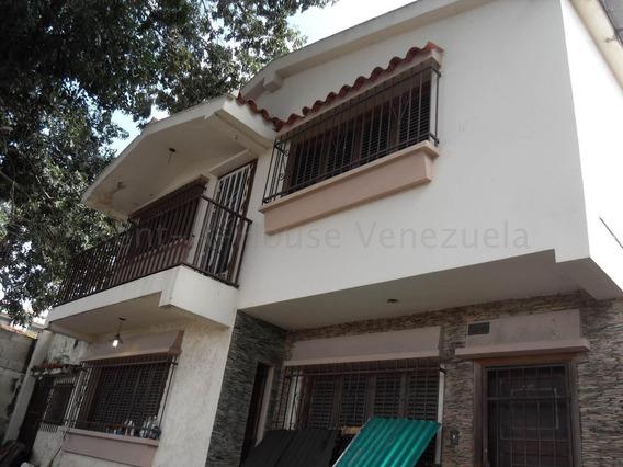 Casa En Venta Trigal Sur Valencia Carabobo 20-8757 Rahv