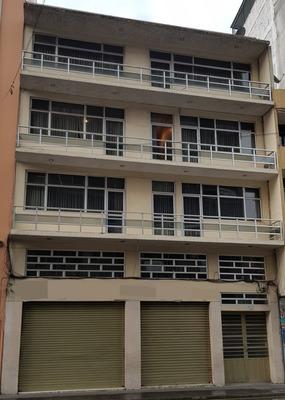 Edificio En El Centro De Ambato