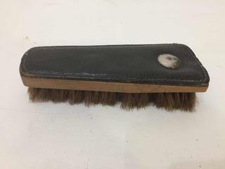 Antiguo Cepillo De Cuero Para Zapatos