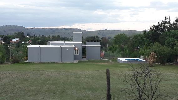 Espectacular Casa A 150 M De Una Bajada Al Lago!!! 298