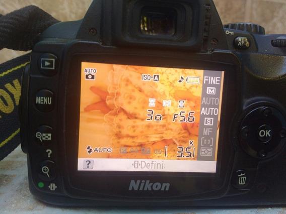 Câmera Nikon Profissional Mod: D40