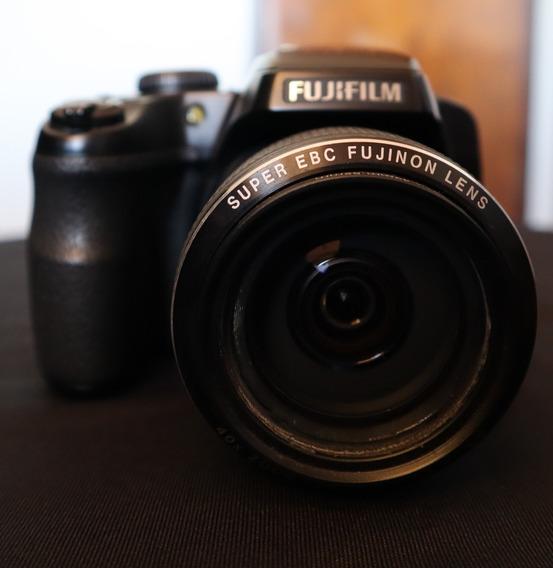 Câmera Fujifilm Finepix S8200