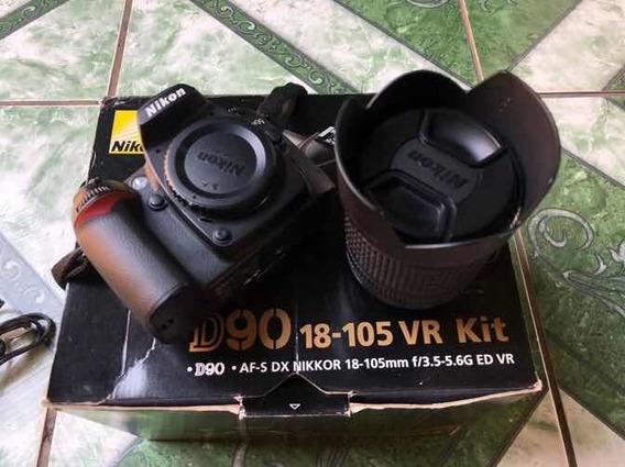 Câmera Nikon D90 - Lente 18-105 F/3-5.5g Ed Vr