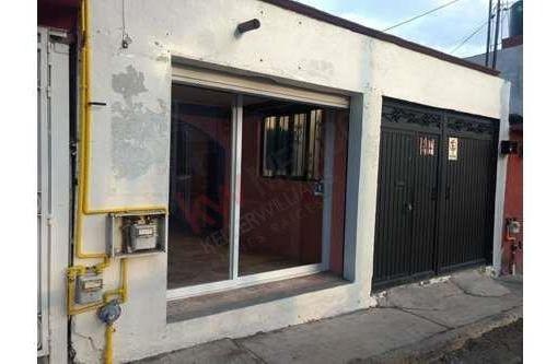 Casa En Renta Con Local En Frente, Col. Garambullo. $ 6,000.00