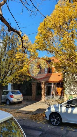 Casa Chalet En Alquiler Ubicado En La Plata, La Plata