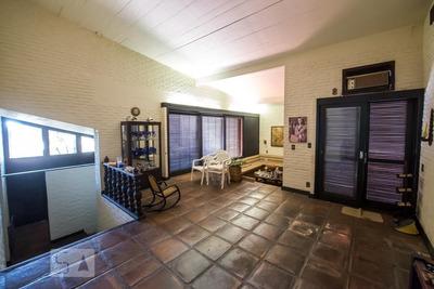 Casa Com 3 Dormitórios E 4 Garagens - Id: 892934213 - 234213