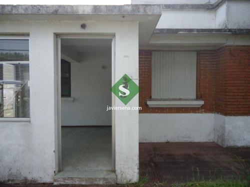 Venta De Local En La Ciudad De Maldonado Centro, Casa Mas 2 Locales Comerciales. - Ref: 166966