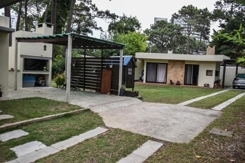 Vendo Casa A Pasos De Av Roosevelt , 2 Dorm 2 Baños,ref  697