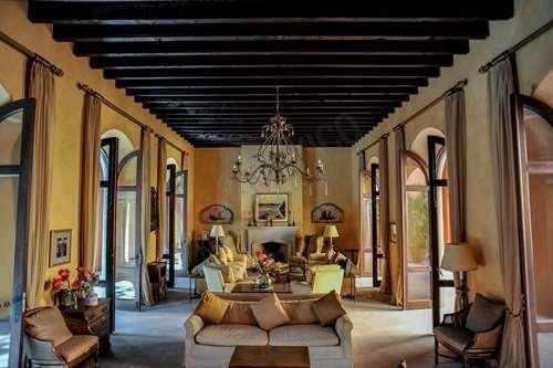 Casa En Renta En El Centro De San Miguel De Allende (palacio De Pilaseca)
