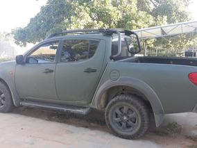 3.2 Triton Savana Off Cab. Dupla 4x4 4p Cor Verde Adesivado