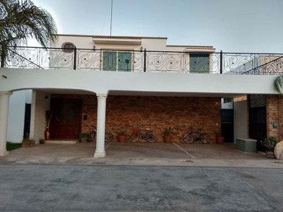 Magnífica Residencia En Privada Punta Lomas