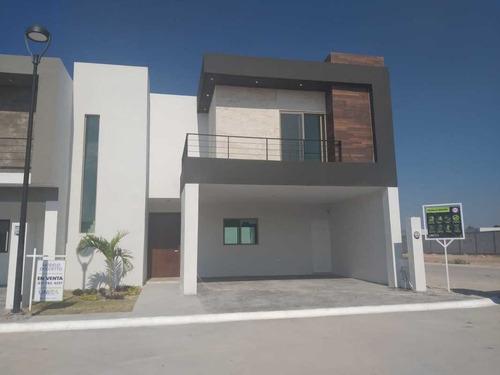 Imagen 1 de 10 de Hcv-101-25206 Casa En Venta En Los Racimos, Viñedos / Modelo Dolcetto