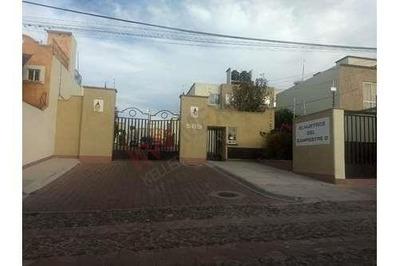 Casa En Renta Totalmente Amueblada. Claustros Del Campestre. Corregidora, Qro.