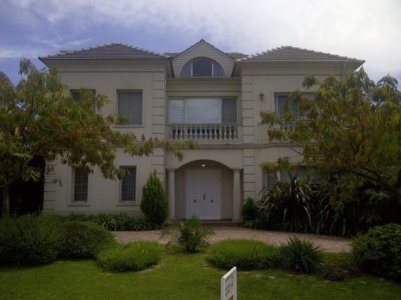 Hermosa Casa En 3 Plantas De Categoria