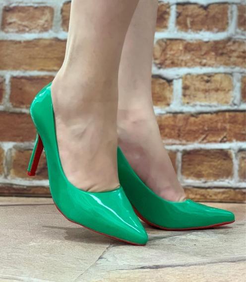 Scarpin Verde Claro Verniz Social Salto Alto Fino Bico Fino