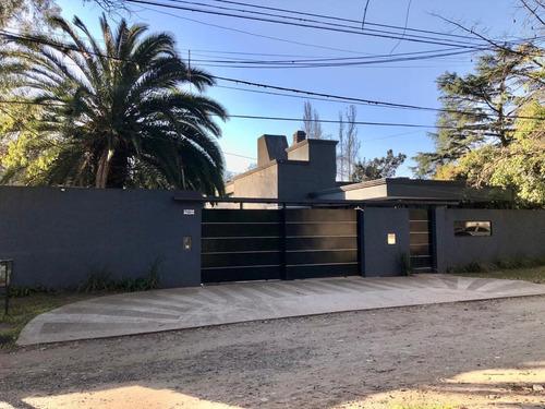 Imagen 1 de 15 de Casa - Barrio Parque Leloir