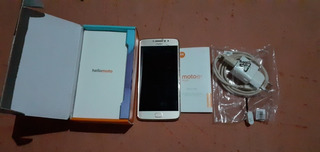 Celular Moto E 4 Plus Dourado