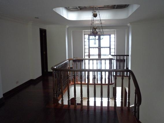 Casa Unifamilar En Venta - El Poblado Cod: 19639