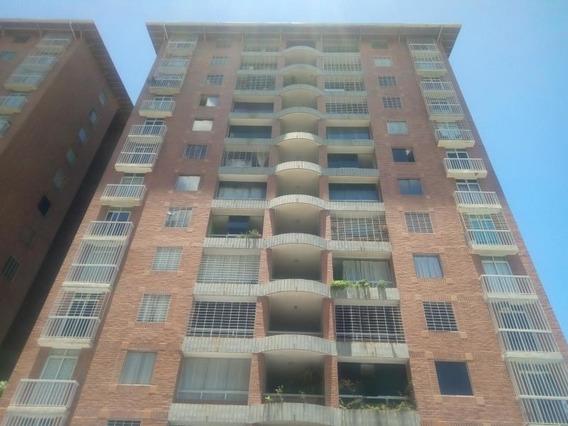 Apartamento En Venta En Barquisimeto 20-165 Ar López