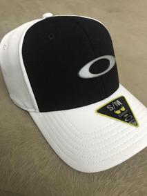 quality design e8cfa d0254 Bone Oakley Tincan Cap Preto   Branco - Frete Grátis
