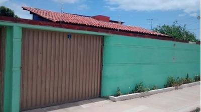 Casa Na Santa Lúcia, Nº 180 (cód. 4553)