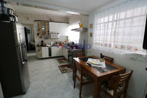 Aceito Permuta Por Apto / 02 Casas, 01 Com 03 Dorms E 01 Com 01 Dormitório,  02 Vagas - Mr67723