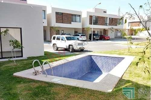 Casa En Venta Con Alberca En Condominio, Cumbres Del Lago Juriquilla, Querétaro