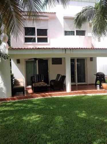 Se Vende Casa En Fracc. Palma Real En Playacar, Playa Del Carmen
