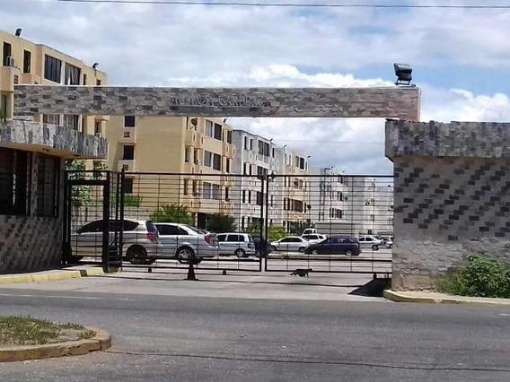 Apartamento En Venta Ciudad Alianza Carabobo 20-7910 Mjc