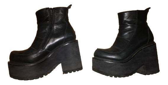 Botas De Cuero Negras - Marca La Quia