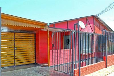 Casa En Venta De 2 Dormitorios En Peñalolén