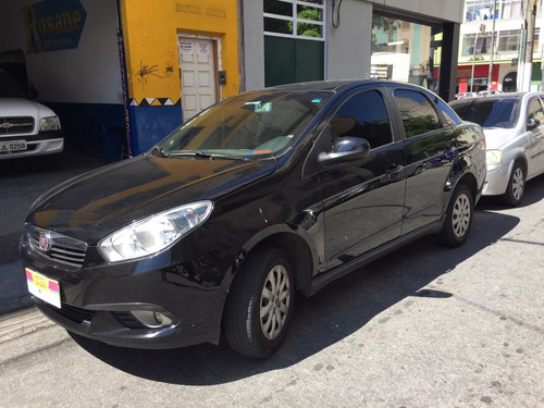 Grand Siena 1.4 Attractive Flex 4p 2013 - Ac. Cartão Credito