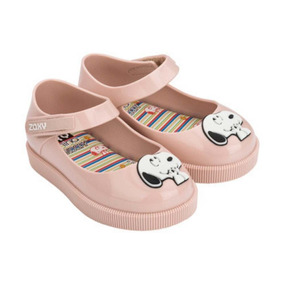 Sapato Snoopy Zaxynina Nude