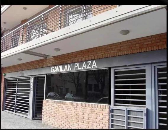 Alquilo Cochera En Flores Gavilan 800 Para Auto Mediano Dño
