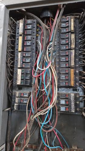 Imagem 1 de 1 de Eletricista