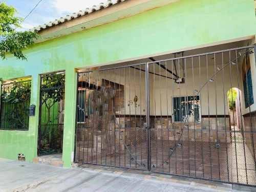 Casa En Renta Calle Revolucion. Colonia Centro Renta Minima 1 Año.
