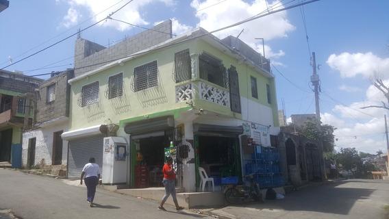 Casa 2 Piso Con Local Comercial Con Colmado Activo Y Mejora