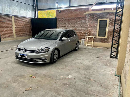 Imagen 1 de 11 de Volkswagen Golf 2017 1.4 Comfortline Tsi