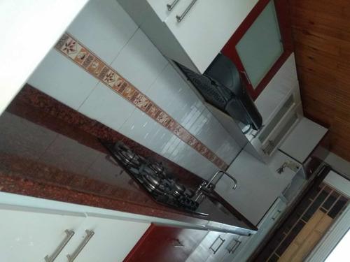Imagen 1 de 14 de Oferta. Apartamento Recién Remodelado 4 Habitaciones!!!