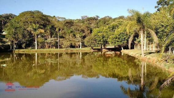 Linda Chácara Com Lago Em Bairro Bem Localizado - Ch0050