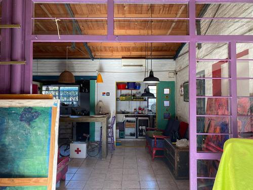 Imagen 1 de 10 de Casa En Venta De Tres Dormitorios Parque Y Pileta