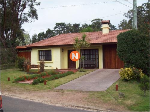 Casa En Venta Y Alquiler, Mansa, Punta Del Este, 4 Dormitorios.- Ref: 207822