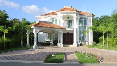 Alquiler Esplendida Villa Playa Nueva Romana